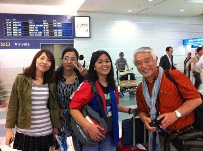 At the airport with Kanu-san, Karuna, and Muta-san