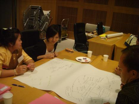PAs and Fukuoka citizens talking about Fukuoka's global future